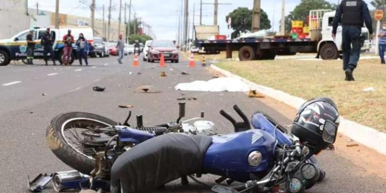 Motorista fugiu sem prestar socorro - Crédito: Kísie Ainoã