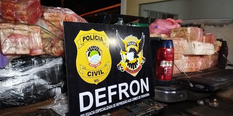 No local, foram presos Daiane de Freitas, de 32 anos, e Rogério Luiz, 33 - Fotos: DEFRON/Divulgação