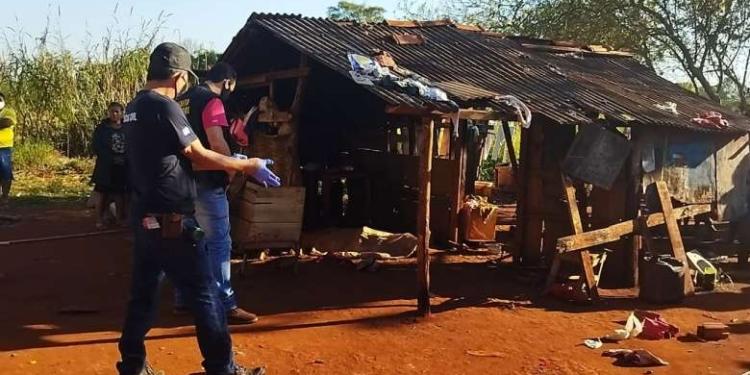 O corpo foi achado estendido na varanda de residência - Crédito: Osvaldo Duarte
